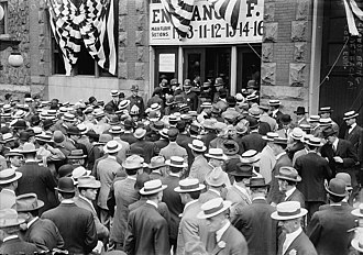 1912 Republican National Convention - Crowd outside the convention hall