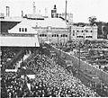 Crowds at Braves Field Loop, opening day, 1915.jpg