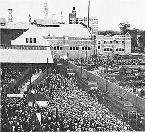 Braves Field - Crowds at the streetcar loop outside the field on August 13, 1915, the first day of baseball in the new park