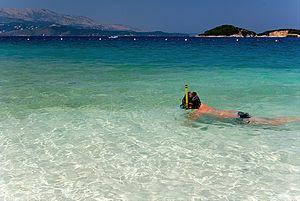 Ksamil Islands - Image: Crystal blue ksamil