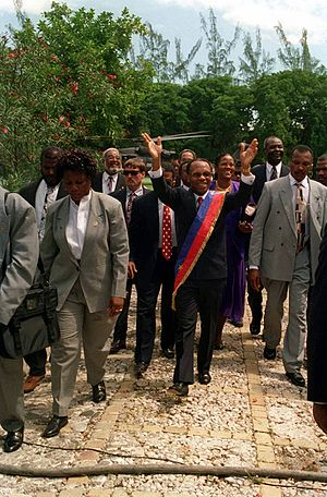 Jean-Bertrand Aristide - President Jean-Bertrand Aristide returns triumphantly to the National Palace at Port au Prince, Haiti
