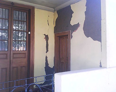 A house damaged by the 2010 earthquake in Santa Cruz, Chile. Image: Diego Grez.