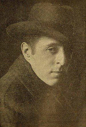 David Wark Griffith 1916.jpg