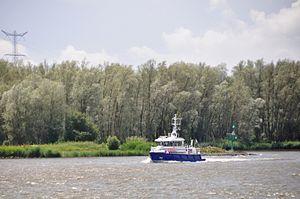De P93 in de opvaart op de Beneden Merwede (01).JPG