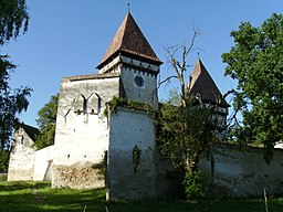 Dealu Frumos Fortified Church IV.jpg