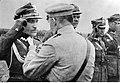 Dekoracja oficerów 30 Dywizji Piechoty, weteranów byłej Brygady Syberyjskiej w drugą rocznicę powrotu do Polski (22-278-3).jpg