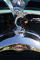 Derby L8 1933 Montlhery Hood Ornament Lake Mirror Cassic 16Oct2010 (14690622119).jpg