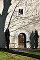 Deutsch-Griffen Spitzwiesen Filialkirche hl Johannes der Täufer Portal-Wand 25102012 553.jpg
