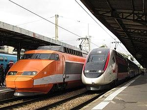 Deux TGV à Paris-Lyon.jpg