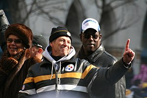 Dick LeBeau - LeBeau (center) during Super Bowl XLIII parade in February 2009