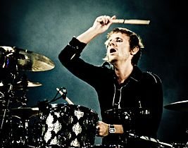 Dominic Howard at Estadio Ciudad de La Plata.jpg