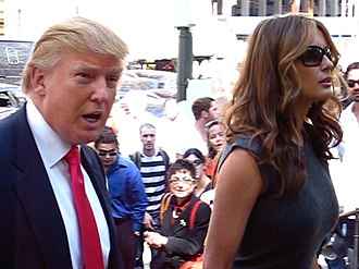Melania Trump - Melania and Donald Trump attending Oscar de la Renta fashion show, 2006