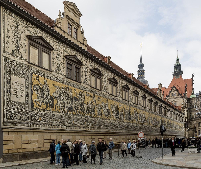Dresden germany dating Startseite - Staatsministerium für Wissenschaft und Kunst -