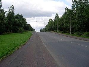 Queenslie - Image: Easter Queenslie Road geograph.org.uk 924624