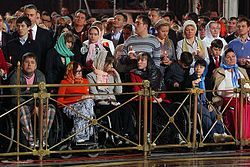 Easter service in the Cathedral of Christ the Saviour in Moscow, Russia, 2013-05-05 (01).jpeg