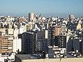 Edificación compacta en Balvanera, Buenos Aires.jpg