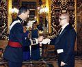 Eesti suursaadik Hispaanias Rasmus Lumi andis volikirja üle Hispaania kuningale Felipe VI-le (6. oktoober 2014).jpg