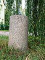 Eichenbarleben Preussischer Rundsockelstein-0607.jpg