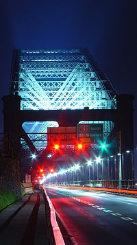 Entrée nord du Pont de Québec.jpg