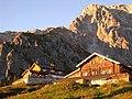Erichhütte am Dienter Sattel - panoramio.jpg