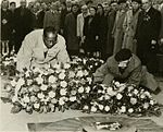 Eugene Bullard at the Tomb of the Unknown Soldier in Paris (1954).jpg