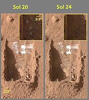 Evaporating ice on Mars Phoenix lander image