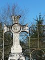 Eyliac cimetière croix.JPG