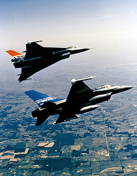 F-16XL flies with an F-16B.jpg
