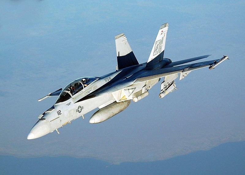 لمقاتلة الروسية للجيل الخامس قد تتزود برادار واعد - صفحة 3 800px-FA-18_Hornet_VFA-41
