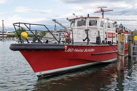 "Feuerwehrboot ""LBD Heinz Schäfer"" in Konstanz -20160618.jpg"
