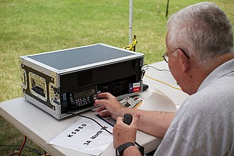Field Day (amateur radio) - Rugged HF transceiver for voice communications