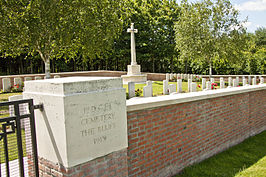 Naamsteen en Cross of Sacrifice