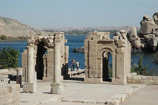 Flickr - Gaspa - File, tempio di Augusto (1)