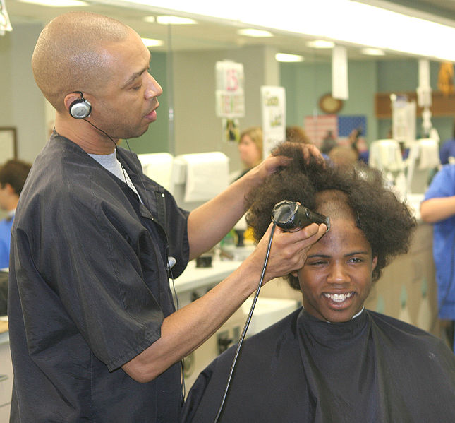 Barber Classes : File:Flickr - The U.S. Army - Cadet cut.jpg - Wikimedia Commons