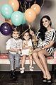 Flor Maria Palomeque con sus 2 hijos..jpg