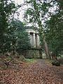 Forbes Mausoleum by Callendar House (geograph 2765355).jpg