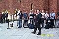 Fotograferna blir fotograferade. De inväntar Kronprinsessan Victoria. Stockholms Stadshus, 6-e juni 2011. Sveriges Nationaldag. - panoramio.jpg