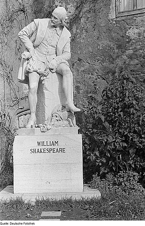 Otto Lessing (sculptor) - Lessing's Statue of Shakespeare in the Park an der Ilm, Weimar.