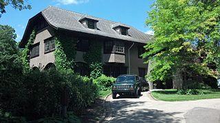 Four Mounds Estate Historic District