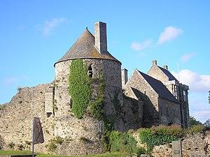 Le château de Saint-Sauveur-le-Vicomte (11e/12e s.)