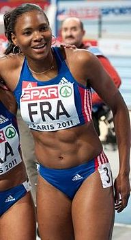 France 4 x 400 m women Paris 2011-2.jpg