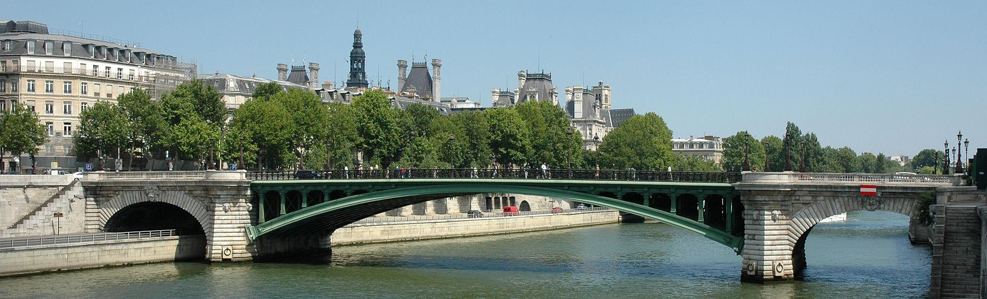 France Paris Pont Notre Dame 01.JPG