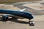 Frankfurt - Airport - Vietnam Airlines - Airbus A350-941 - VN-A890 - 2018-04-02 14-20-42.jpg