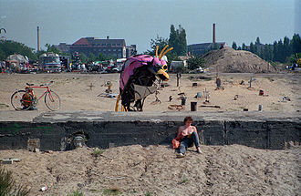 Görlitzer Park - The crater before the demolition of the pedestrian tunnel, 1989