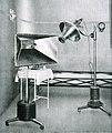 Gabinetto di elioterapia artificiale (primi anni '20).jpg
