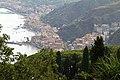 Giardini Naxos, vista dal Teatro Greco di Taormina - panoramio.jpg
