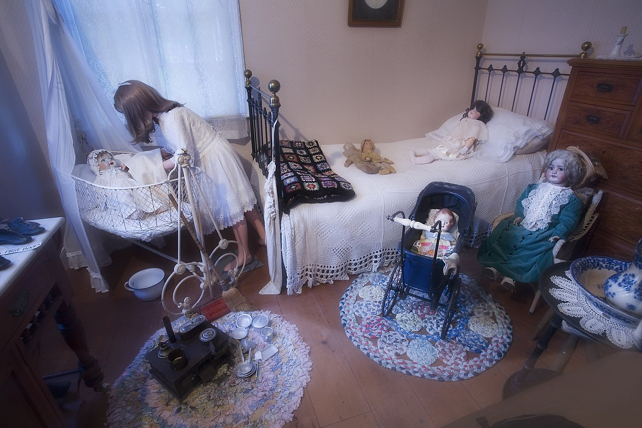 File Girl Playing With A Doll In A 19th Century Kid Room