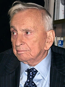 220px-Gore_Vidal_3_Shankbone_2009_NYC_cropped - Verbal Zingers: Great Writers Insult Each Other - Lifestyle, Culture and Arts