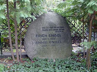 Erich Engel - Grave of Erich Engel in the Dorotheenstadt burial ground in Berlin