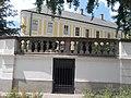 Grassalkovich-kastély, balusztrád és pincebejárat, 2017 Hatvan.jpg